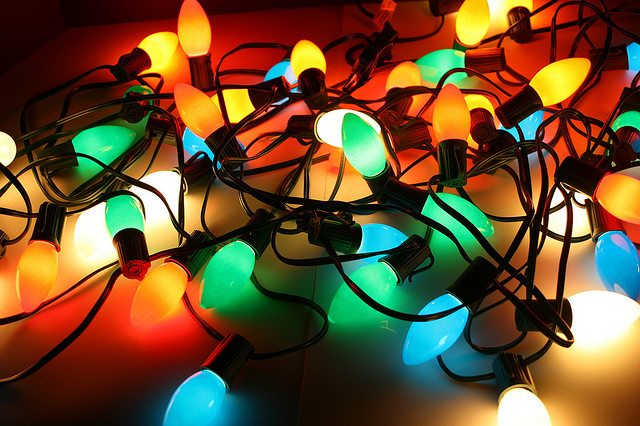 holiday lights, holiday safety