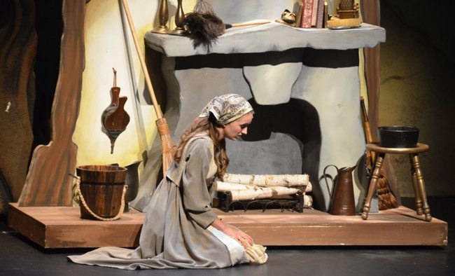 """Valley Youth Theatre performs """"Into the Woods"""""""