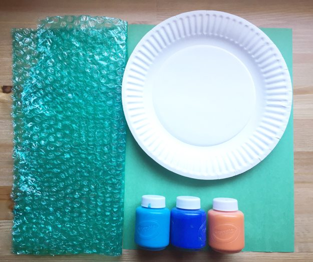 undersea-supplies, bubble wrap, paper plate, washable paint, construction papaer