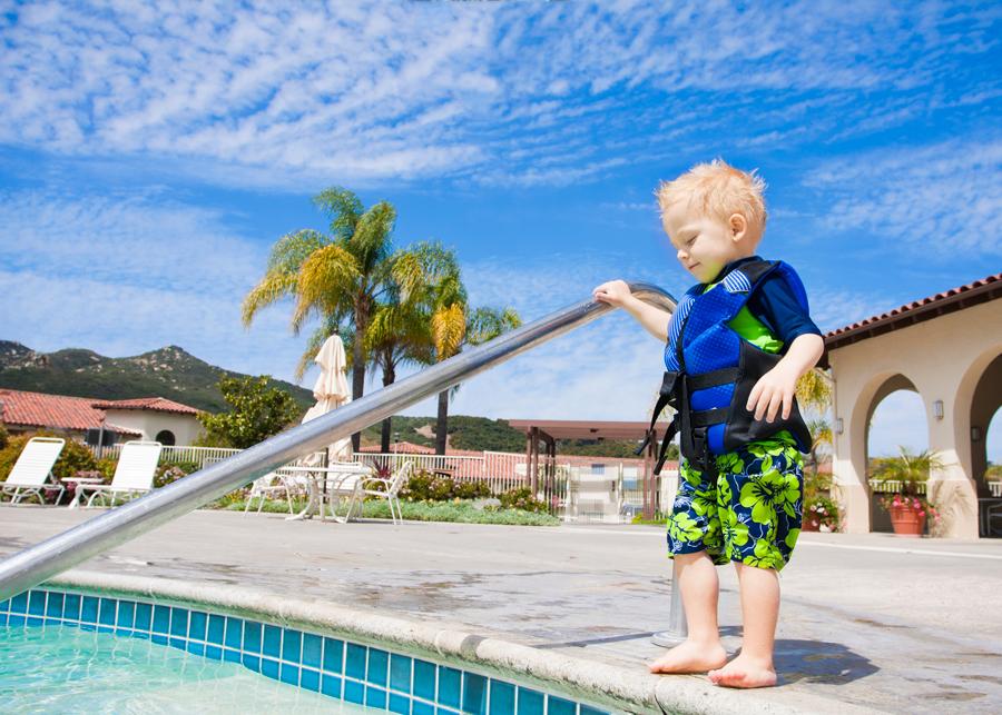 poolboy-lifevest