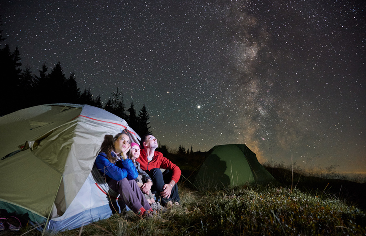 star gazing, family traditions, family fun, nighttime family activity